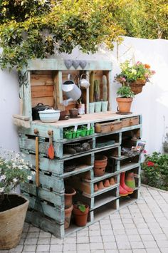 Useful Pallet Potting Table