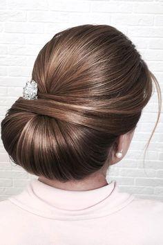 Beautiful chignon wedding hairstyle inspiration #weddinghair #hairstyle #hairideas #bridalhair #frenchchignon #messyupdo #braids #braidupdo #braided #updohairstyles