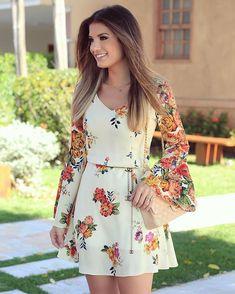 "19.5 mil curtidas, 186 comentários - Blog Trend Alert (@arianecanovas) no Instagram: ""{Floral 💐} Vestido by @estacaostore ♥️ Estampa linda no meu modelo favorito de vestidos: acinturado…"""