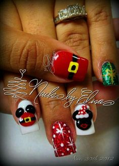 Disney Mickey and Minnie mouse Christmas nails #disneynailart #Christmasnails #mickeysanta #Minniemouse