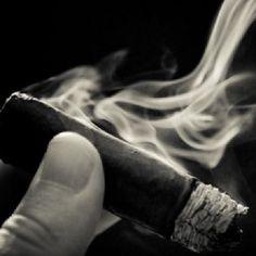 Ahhhhhhh! The night cap #cigar. Tell @Cigar Mas Fino what you're smoking thus Monday night? #cigaroftheday #nowsmoking #stogies #cigarlovers #cigaroftheday #cigarenthusiasts #cigaraddict #cigaraficionado #cigarstyle #cigarsociety #cubancigars #cigarsmoker #cigartime #cigarlife #cigarians #cigarphotography #cigarnation #cigarenvy #cigarworld #cigarporn #cigarlove