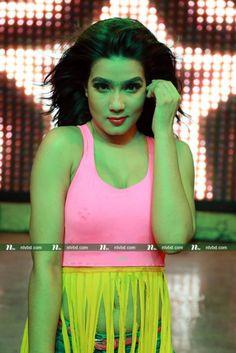 'অন্ধকার জগতে' মাহির নাচ   NTV Online Rakul Preet Singh Saree, Pori Moni, Mahi Mahi, Beauty Women, Entertaining, Dance, India Beauty, Film, Hot