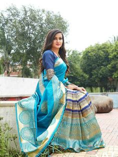 Cut Out Swimsuits, Sari Fabric, Silk Sarees Online, Designer Sarees, Saree Blouse Designs, Saree Collection, Indian Outfits, Lehenga, Glamour