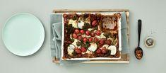 Ihana pesto-linssilasagne on supermehevää, kiitos peston ja runsaan vihannesmäärän! Valkokastikkeen sijasta levyjen väliin levitetään ranskankermaa. Noin 3,60 €/annos* Pesto, Chili, Waffles, Vegan, Breakfast, Recipes, Home Decor, Drink, Egg As Food