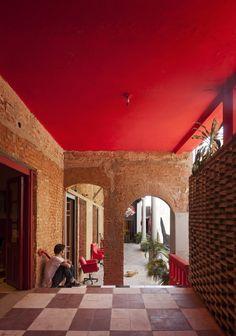 Ilona House / Grupo Culata Jovái  A wonderful job, creative, colorful and imaginative.