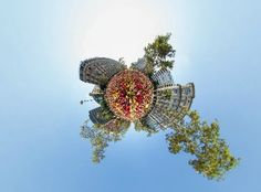 Impressive! Have a look!  Un passeig virtual de 360 graus per la V de la Diada - VilaWeb