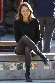Jessica Alba sexy outfit with sheer black pantyhose and boots Jessica Alba Body, Jessica Alba Style, Jessica Alba Outfit, Pantyhose Outfits, Black Pantyhose, Nylons, Grey Tights, Black Tights Outfit, Sheer Tights