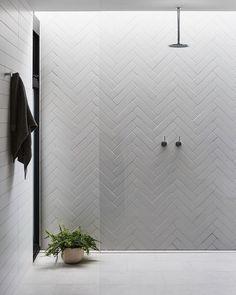 Beautiful tile work - home decorations Beautiful tile . - Beautiful tile work – home decorations Nice tile work # tile work - Minimalist Bathroom Design, Bathroom Interior Design, Bad Inspiration, Bathroom Inspiration, Ideas Baños, Tile Ideas, Decor Ideas, Contemporary Bathroom Designs, Modern Design