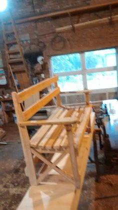Trabajo realizado en carpintería solano, con maderas de embalaje.