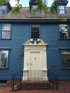THE COLONIAL - Possibly my favorite doorway in Newport