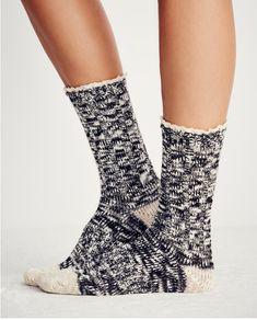 Melbourne Heathered Crew Socks in Black | ROOLEE