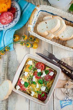 Frittata z pomidorami i fetą