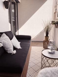 Mehr schöne Balkonmöbel und Deko findest du auf meinem Blog biluca.de Decor, Contemporary, Contemporary Rug, Rugs, Home Decor
