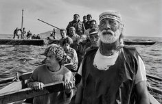 Find the latest shows, biography, and artworks for sale by Sebastião Salgado. Sebastião Salgado travels the world documenting the poor and powerless, as well… Henri Cartier Bresson, Fishing Photography, Urban Photography, Street Photography, Minimalist Photography, Color Photography, Inspiring Photography, Creative Photography, Vivian Maier