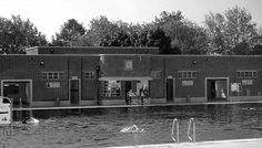 PARLIAMENT HILL LIDO – As its summer (yes, really! Camden London, Camden Town, Old London, North London, West London, London History, History Pics, Family History, Old Buildings