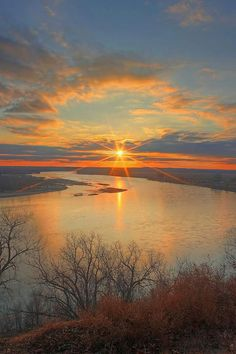 Winter sunset over the Missouri River, Yankton South Dakota - Photographer Robin Ball