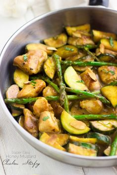 Super Easy Honey Mustard Chicken Stir Fry - Quick, healthy and perfect for a weeknight! | www.foodfaithfitness.com | #chicken #stirfry #reci...