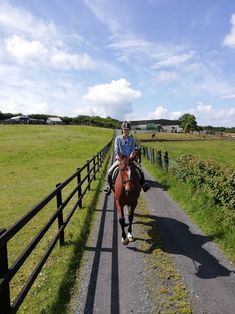 Twix with a client from America heading out to ride to the Castle. What A Beautiful Day, Sunday Funday, Golf Bags, Trekking, Ireland, To Go, Castle, America, Horses