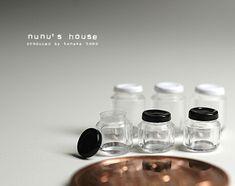*大きな瓶と小さな瓶* - *Nunu's HouseのミニチュアBlog* 1/12サイズのミニチュアの食べ物、雑貨などの制作blogです。
