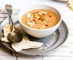 Ostrá květáková polévka Cheeseburger Chowder, Thai Red Curry, Food And Drink, Baking, Ethnic Recipes, Soups, Bakken, Soup, Backen