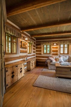 Can we cut the doors like this for the opening? Simply Home, Log Cabin Homes, Wooden House, Cozy Place, Cabana, Cottage, Interior Design, House Styles, Ideas