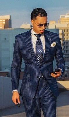 A Beginners Guide to Choosing, Buying, and Wearing a Men's Suit ~ Fashion & Style Mens Fashion Blog, Mens Fashion Suits, Mens Suits Style, Fashion Sites, Fashion Trends, Sharp Dressed Man, Well Dressed Men, Dress Suits, Men Dress