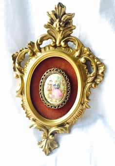 VINTAGE GOLD PICTURE Porcelain Cameo in Ornate Gold Rococo Frame Marked made in Usa