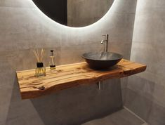 Rustic Bathroom Designs, Bathroom Design Luxury, Modern Bathroom Design, Small Toilet Design, Small Toilet Room, Bad Inspiration, Bathroom Inspiration, Downstairs Bathroom, Small Bathroom