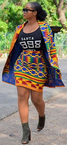 African print dresses for graduation can come in all designs. The kente styles, ankara styles, African print jumpsuits, even a well designed kaba and slit. African Print Jumpsuit, African Print Skirt, African Print Clothing, African Print Fashion, Africa Fashion, African Prints, African Fabric, African Women Fashion, African Men