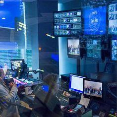 Les échanges mondiaux de programmes de télévision mettant l'accent sur la paix, la sécurité, le développement économique et social et l'amélioration de l'échange culturel, indiquent l'importance cr...