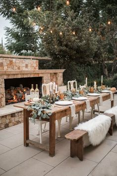 7 Tips To Help You Plan The Perfect Party - If you have a small gathering coming up, whether it's with family or a few friends, you'll want - Fall Dining Table, Rustic Table, Teak Table, Dining Decor, Farmhouse Table, Grad Party Decorations, Fall Decorations, Thanksgiving Tablescapes, Outdoor Thanksgiving