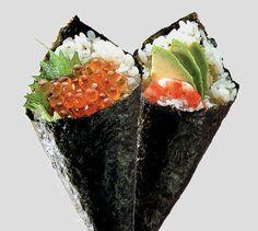 No Brasil, os temakis, sushi em forma de cone, fazem muito sucesso, principalmente entre os jovens