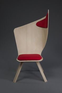 Isn't this awesome? It's the Bravo chair by industrial design student Matte Berit Nyberg. Use it as a normal chair to study, write, eat, … or as a nap chair by leaning aside against the comfy headrest.