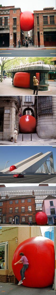 Kurt Perschke's Red Ball Project awesome giant scale street art installation great balls of fun ! Land Art, Modern Art, Contemporary Art, Street Art, Instalation Art, Wow Art, Arte Pop, Environmental Art, Outdoor Art