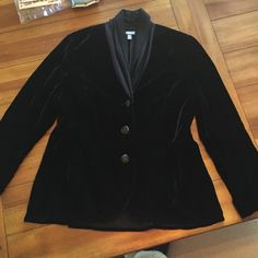 SALE‼️Black Velvet Blazer Amazing black velvet blazer!! Has 3 black buttons and a fashionable collar. Pleated peplum type bottom, see last photo. Perfect condition, no signs of wear.  This is a petite size J. Jill Jackets & Coats Blazers
