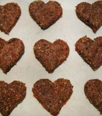 """Sweet Heart Cookies - These little """"raw"""" sweethearts are power packed full of super foods"""