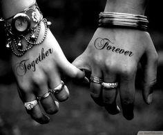 """""""Together Forever"""" Hands Paar Skin image"""