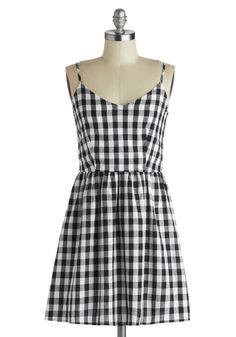 Singing in Gingham Dress | Mod Retro Vintage Dresses | ModCloth.com I have a blue plaidish ginham thriftstore dress I could do this to...