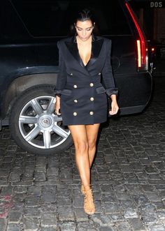 Kim Kardashian in a Balmain blazer dress with Hermes nude heels, and Kanye West in a Balmain blazer with leather sweatpants and Bottega Venetta boots Source by moonthia Dress kim kardashian Kim And Kanye, Kim Kardashian And Kanye, Kardashian Style, Blazer Outfits, Blazer Dress, Jacket Dress, Posh Clothing, Balmain Blazer, Tropical Outfit