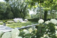 """""""White"""" gardens, they look amazing in the evening as well, by the way! Urban Garden Design, Contemporary Garden Design, Modern Landscape Design, Landscape Plans, Modern Landscaping, Garden Landscaping, White Gardens, Small Gardens, Garden Pool"""