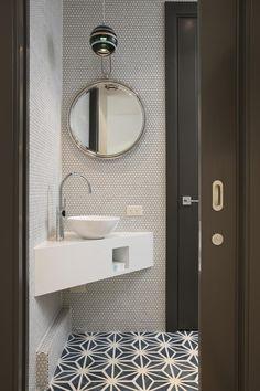 Small Downstairs Toilet, Small Toilet Room, Small Bathroom Sinks, Corner Toilet, Bathroom Ideas, Bathroom Organization, Corner Bathroom Mirror, Small Vessel Sinks, Small Sink