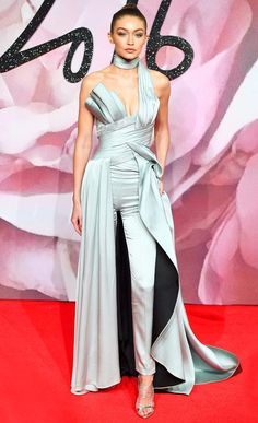 Gigi Hadid in an Atelier Versace gown-pants hybrid at the 2016 British Fashion Awards