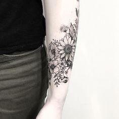 Lower arm tattoo for women wrap 52 ideas Arm Wrap Tattoo, Tattoo Band, Arm Sleeve Tattoos, Armband Tattoo, Sleeve Tattoos For Women, Tattoo Women, Women Sleeve, Outer Forearm Tattoo, Forearm Flower Tattoo