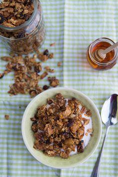 Honey Granola from mondomulia