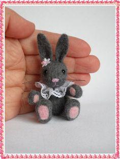 Bunny with ruffled collar