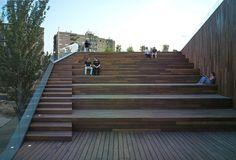 Sede del Servicio de Medio Ambiente de Zaragoza y espacios públicos en la ribera del río Ebro. Zaragoza