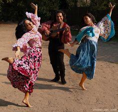 "Romani Gypsy band ""Svenko"" from Russia. Gypsy guitarist, dancing barefoot Gypsy girls. Barfuss Zigeunerin. Des Bohémiennes à pieds nus. Des Gitanes à pieds nus. Las gitanas descalzas."
