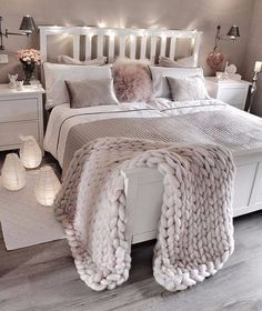 bedroom decor ideas for teens; Small and warm cozy bedroom i… cozy bedroom ideas; bedroom decor ideas for teens; Small and warm cozy bedroom ideas; Dream Rooms, Dream Bedroom, Girls Bedroom, Lux Bedroom, Master Bedrooms, Bedroom Neutral, Bedroom Ideas Grey, Bedroom Vintage, Pretty Bedroom