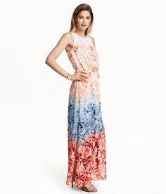 Sieh's dir an! Langes ärmelloses Kleid aus luftigem Webstoff. Das Kleid ist rückenfrei, hat eine elastische Taille und im Nacken eine Metallschließe. Hohe seitliche Schlitze. Das Oberteil ist doppellagig gearbeitet, der Rock mit einem kurzen Unterrock gefüttert. – Unter hm.com gibt's noch viel mehr.