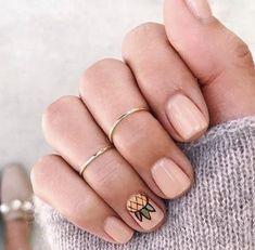 Nail art Christmas - the festive spirit on the nails. Over 70 creative ideas and tutorials - My Nails Summer Toe Nails, Cute Summer Nails, Beach Nails, Hair And Nails, My Nails, Hawaiian Nails, Pineapple Nails, Cute Summer Nail Designs, Vernis Semi Permanent